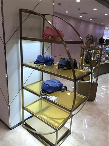 铁艺服装店展示架定制案例